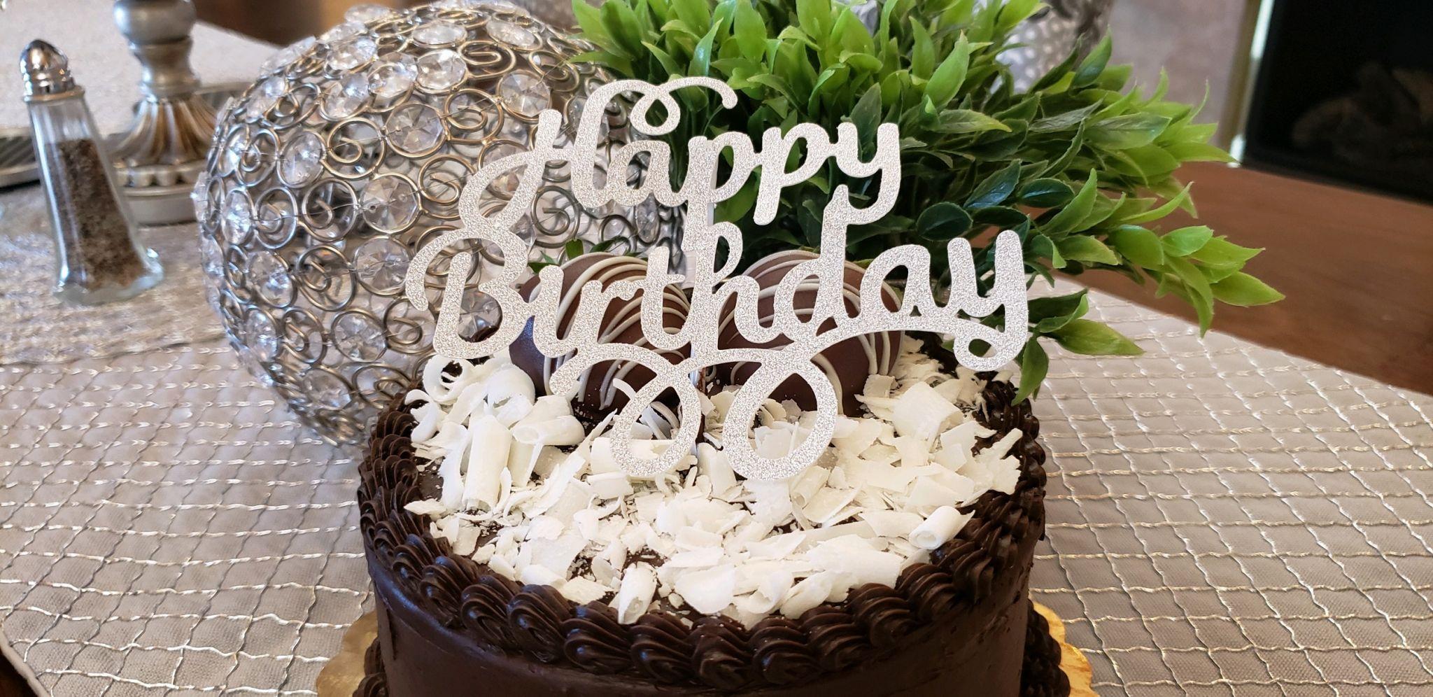 Birthday-Cake-at-Donnas-Premier-Lodging.jpg?mtime=20190328100159#asset:1263