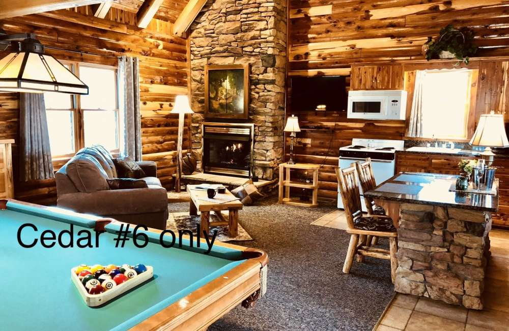 Cedar Log Cabin Rentals in Berlin, Ohio | Donna's of Berlin