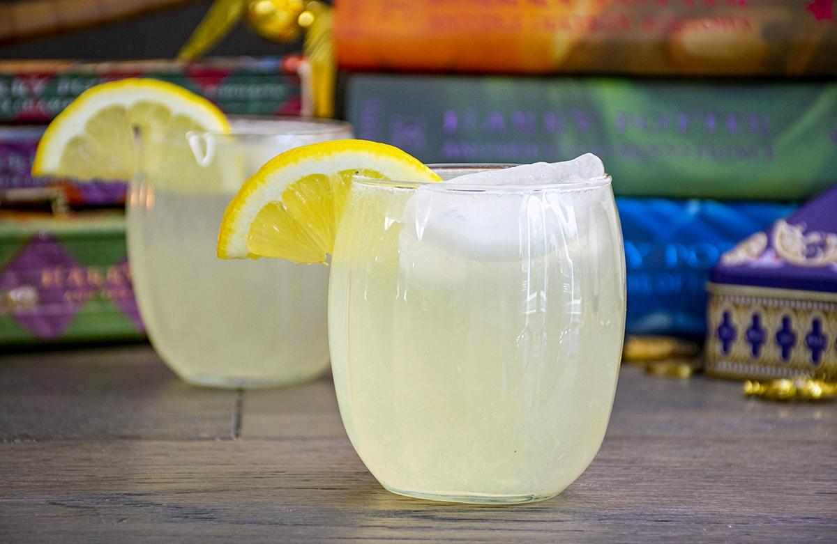 tongue tying lemon squash drink