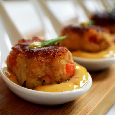 Crab Cakes And Aioli Sauce
